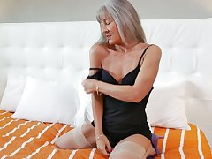 Voluptuous granny Leilani Lei is masturbating will not hear of sex-starved old cunt
