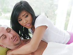 Chinese nubile entices a married chap by way of rubdown