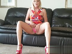 A Son Gets to Creampie His Mom Look-alike